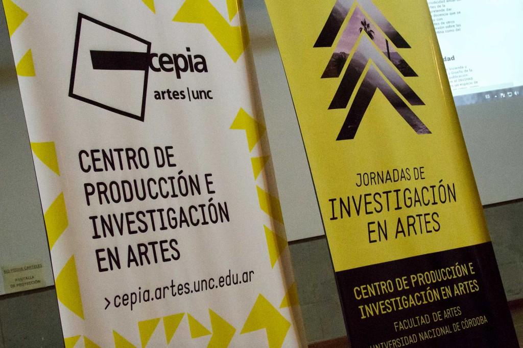 C_2015-09-16_JornadasdeInvestigaciónenArtes-PresentaciónPublicacionesFA_F-001